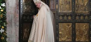 1479636913519-vatican_holy_year_rain__1_-864x400_c