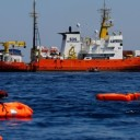 L'emergenza-profughi e l'Europa vestita da Arlecchino