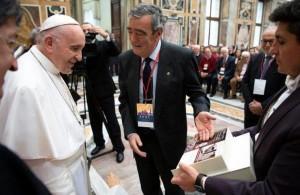 Papa-Francesco-a-Gruppi-La-Pira-Ci-vogliono-profeti-di-speranza-di-santita_articleimage